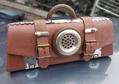 Catawiki, pagina di aste on line  pezzo unico fatto a mano di borsa in stile steampunk