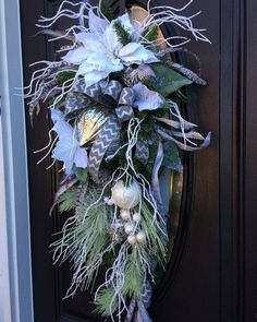 Snow Themed Door Christmas Teardrop Swag от SouthernCharmWreaths