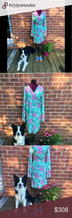 """🌸Vtg Rare Lilly Pulitzer Shift in Pristine🌸 🌸This Vintage Lilly Pulitzer from the early 1990's is absolutely stunning, with detailed trim on neckline and sleeves🌸Also this is in Pristine Condition, ABSOLUTELY zero blemishes and no picks MIND BLOWN❤️ This long shift sizing reads a SMALL but fits more like a medium because of this here are the measurements of dress laying flat; 🌸🌸 shoulder to shoulder 16""""/ Armpit to Armpit 19""""/Length of dress 37""""/Hem line 21""""/Shoulder to sleeve 37""""/. I…"""
