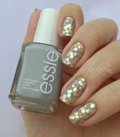 Fun nail art inspiration #essie #neutralcolor #nails #nailart #dotted #prettymani- bellashoot.com