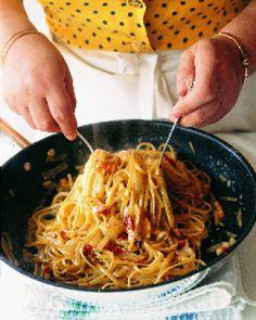 Esparguete à carbonara | A Nossa Vida