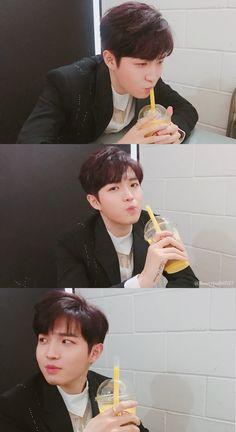 Wanna One Instagram Update: Kim Jaehwan Wallpaper Jaehwan Wanna One, First Boyfriend, Cute Asian Guys, Lee Daehwi, Ong Seongwoo, Kim Jaehwan, Ha Sungwoon, Hanbin, Korean Celebrities