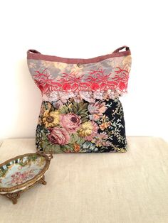 Free Shipping Gobelin Tapestry Messenger Bag with by lalalubags