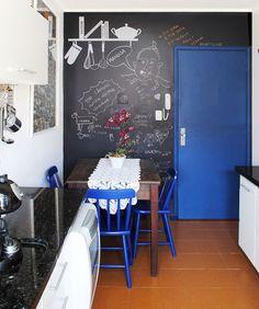 Nossa família é de desenhistas, seria divertido ter uma parede assim :)