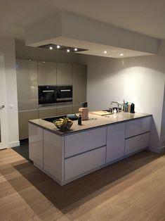 Patio Kitchen, Kitchen Room Design, Outdoor Kitchen Design, Modern Kitchen Design, Home Decor Kitchen, Kitchen Flooring, Home Kitchens, Kitchen Ideas, Kitchen Designs