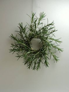 Little rosemary wreaths - HOME SWEET HOME - For this project, I used shower curtain rings for the wreath base. Just the right size for a small wreath, and the clear plastic wa Wreaths And Garlands, Holiday Wreaths, Holiday Crafts, Christmas Decorations, Christmas Flowers, Winter Christmas, Xmas, Bohemian Christmas, Christmas 2019