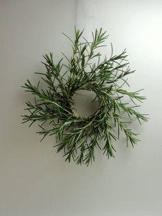 Little rosemary wreaths - HOME SWEET HOME