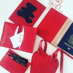 welovetravel  merciwithlove  Na foto  tag de mala, porta cartão de  crédito, porta cartão de visita, porta passaporte adulto e infantil. 345a95b012