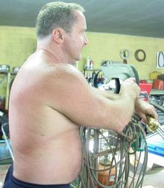welder man working GLOBALFIGHT DVDs