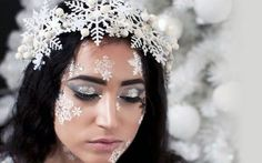 Snow Queen Winter Snowflake Crown costume by LingerieBomb Halloween Make Up, Halloween Crafts, Karneval Diy, Snow Queen Costume, Snowflake Dress, Snow Flakes Diy, Ice Princess, Christmas Costumes, Costume Makeup