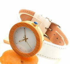 Armbanduhren - Holzuhr,elegante Damenarmbanduhr,Quarzuhr,Bambus - ein Designerstück von wood-what-else bei DaWanda