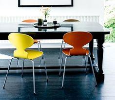 Chaises Fourmi par Jacobsen
