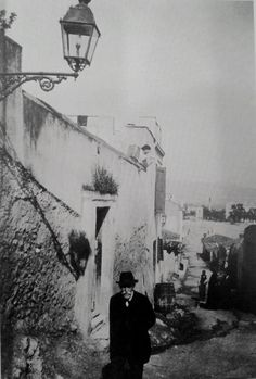 c.1920 ~ Plaka, Athens Greece Pictures, Time Pictures, Old Pictures, Old Photos, Vintage Photos, Athens Acropolis, Athens Greece, Greece Photography, Vintage Photography