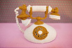Old Fashion Phone Crochet Kawaii Crochet, Love Crochet, Crochet Baby, Knit Crochet, Crochet Crafts, Crochet Dolls, Crochet Projects, Crochet Furniture, Crochet Dragon