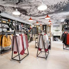 Details agencement-magasin > Agencement boutique prêt à porter - Volcom Nantes Plus