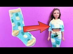 In this video how to make clothes for Barbie doll. DIY Barbie clothes using socks. How to turn those old unpaired socks into stylish and cute clothes for you. Mattel Barbie, Barbie Mode, Free Barbie, Barbie Basics, Barbie Dress, Sewing Barbie Clothes, Barbie Sewing Patterns, Doll Clothes Patterns, Barbie Crop Top