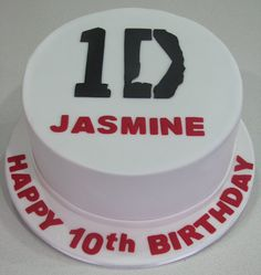 How strange, my daughters name is Jasmine, she loves 1D, and she's turning 10 this year!!! What the heck!!!! She has a Pinterest too it's JAZZYDIRECTIONER follow her she'll follow u back!