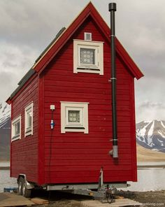 On-Wheels Is The New Off-Grid – A Guide To Tiny Houses | Survival ...