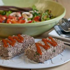 34. Crock-Pot Meatloaf #crockpot #dinner #recipes http://greatist.com/eat/time-saving-crock-pot-recipes