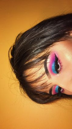 how-to-apply-eyeliner-to-accentuate-your-eyes - More Beautiful Me 1 Makeup Is Life, Makeup Goals, Makeup Inspo, Makeup Inspiration, Beauty Makeup, Makeup Ideas, Yellow Eyeshadow Palette, Green Eyeshadow, Mineral Eyeshadow