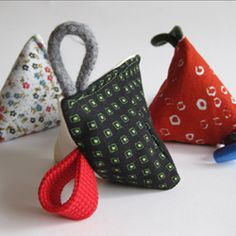 When it is all about color, texture and sound, you can easily make many different baby toys literally in minutes.