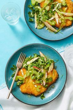 Apples add sweetness to this Crispy Pork Milanese with Apple-Ginger Salad for a tasty contrast to a thin cutlet. Pork Tenderloin Recipes, Pork Recipes, Salad Recipes, Chicken Recipes, Pork Milanese, Light And Easy Meals, Easy Light, Pork Cutlets