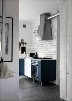 ILVE Nostalgie Range in Matte Graphite - loving this industrial style space warmed up with navy blue cabinets. Kitchen Interior, Kitchen Decor, Kitchen Dining, Küchen Design, House Design, Interior Design, Kitchen Tiles, Kitchen Flooring, Kitchen Canvas