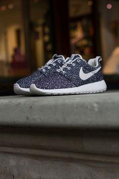 Nike Roshe Run: Speckled Black