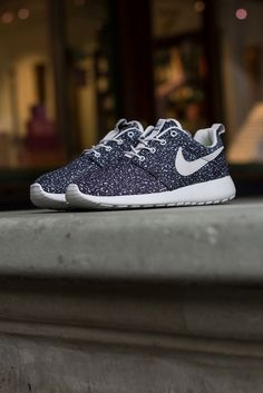Nike Roshe Run: Speckled Black