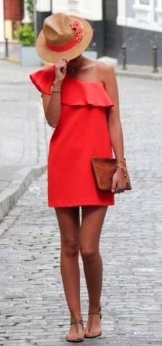 Bright red dress + fedora + leather clutch - the fedora = cute Fashion Mode, Look Fashion, Womens Fashion, Fashion Trends, Fashion Basics, Dress Fashion, Classy Fashion, Fashion Shoes, Girl Fashion