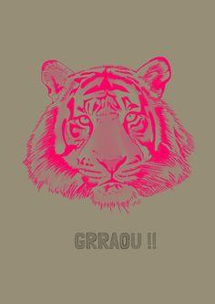 """Carte postale format A5 (210x 148mm) représentant une illustration sur le thème """"GRAOU"""" , soit un tigre rose fluo en train de rugir, impression quadrichrome sur un carton 300 g/m2 haut de gamme et extra-rigide, finition mat et coins arrondis."""