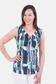 """The pattydoo sewing patterns """"Claire"""" is an elegant and extremely versatile waterfall top. Sewing Tutorials, Sewing Patterns, Cowl Neck Top, Free Sewing, Sewing Clothes, Waterfall, Tie Dye, Feminine, Couture"""