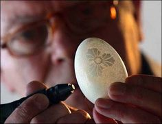"""lolsofunny: """"FRANC GROM EGG SHELL ART Egg Art Master Franc Grom sells egg artwork by creating approximately to holes in each egg shell. His intricate art is inspired by traditional. Carved Eggs, Art Carved, Art D'oeuf, Funny Easter Eggs, Sculpture Art, Sculptures, Egg Shell Art, Carving Designs, Egg Art"""