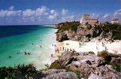 Tulum, ruines on a beach...