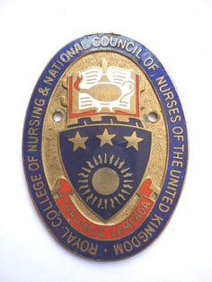 ROYAL COLLEGE OF NURSING Nursing Times, College Nursing, Rn Nurse, Nurse Stuff, School Badges, Vintage Nurse, Car Badges, Nursing Students, Red Cross
