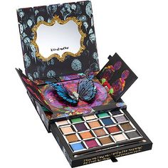 I sat around waiting for the release on this pallette. It's beutiful inside and out, and the colors are so pigmented. Urban Decay 'Alice Through The Looking Glass' Eyeshadow Palette - No Color Urban Decay Makeup, Summer Beauty, Summer Makeup, Cute Makeup, Beauty Makeup, Alice In Wonderland Makeup, Makeup Pallets, Disney Makeup, Makeup Products