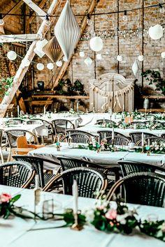 Unsere goldene Hochzeitsdeko in der Scheune jetzt auf dem Blog! - The Kaisers