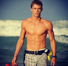 Luke Mitchell<3 (from H2o just add water season 3) He Play Will Benjamin and He so HOT!