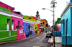 Bo Kaap, di Città del Capo, in Sud Africa Willemstad, Cinque Terre, Santorini, National Geographic, Longyearbyen, Le Cap, Cape Town South Africa, Back Road, Most Beautiful Cities