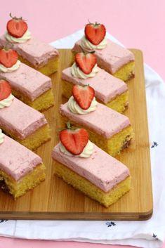 Dutch Recipes, Sweet Recipes, Cake Recipes, Almond Joy, Mini Pies, High Tea, Party Snacks, Cake Cookies, Cupcakes