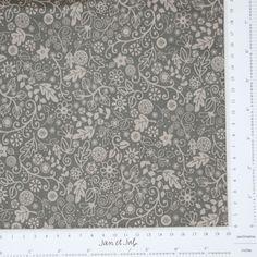 Tela de patchwork taupe con flores y dibujos pequeños