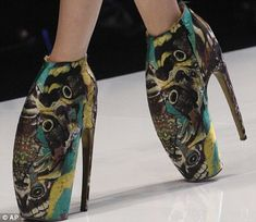 Alexander McQueen's Armadillo and Alien shoes = shoe-icide.