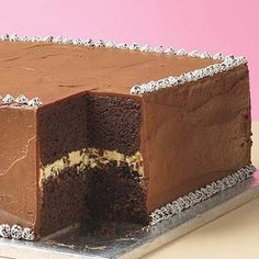 Gluten Free Peanut Butter Chocolate Cake - umm.. I <3 you.  Recipe: http://www.gfreefoodie.com/recipes/detail/539/