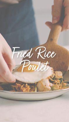 Suchst du ein schnelles und einfaches Rezept für die ganze Familie? Dann ist dieses hier das richtige für dich! Gesund und lecker! Ein Rezept für die bewusste Ernährung, sieht zusätzlich auch echt lecker aus! Wenn du noch die selbst gebratener Reis gekocht hast, ist dieses Rezept gold richtig für dich! Fried Rice, Cooking, Videos, Kitchen, Gold, Cooking Rice, Bread Baking, Gluten Free Flour, Fried Eggs