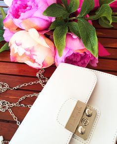 LORISTELLA - Bags & Accessories https://it.pinterest.com/LoristellaBags/pins/ #Loristella #LoristellaBags #collection #loveforfashion #madeinitaly #leathergoods #genuineleather #fashion #details #style #brand #lifestyle #bags #spring #summer #springsummercollection #bagsandaccessories #outfit #bestoutfit #ladies #women #beauty #superb #urban #street #bag #bags