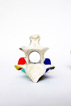 Angela Mena › BONES BONES  Configuración perfecta. Caracter individual.  Esmalte sobre hueso / Tamaño: 21x11x8 cm