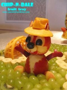 funny food - creative food prepared for young and old - Animal Shaped Foods, Food Garnishes, Garnishing, Fruit Animals, Food Decoration, Fruit Decorations, Fruit Creations, Creative Food Art, Food Art For Kids