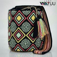 Unique design and the best part is that was made with love for you. Single thread Thecnique. Handcrafted handbags made by indigenous wayuu in the north of Colombia. Worldwide shipping – envíos mundiales – PayPal WA +57 3188430452 #seoul #ootd #mochilas #wayuu #handmade #boho #hippie #bohemian #trendy #knitting #australia #กระเป๋าถือ #Handgjord #Handgemacht #Handgemaakt #faitmain #london #australia #wayuubags #winter #Netherlands #handcrafted #fashion #กระเป๋า #france #newyotk #日本…