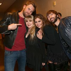 Stevie Nicks joins Lady Antebellum at ACM Awards