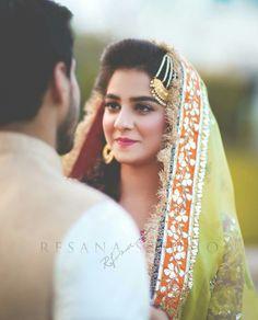 Tybera and Turias Indian Wedding Bride, Desi Wedding, Indian Bridal, Indian Weddings, Islam Wedding, Wedding Couples, Bride Photography, Couple Photography Poses, Pakistani Bridal Wear